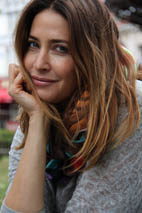 lisa snowdon, lisa snowdon modelling a swin, be seen in a swin, swin, silk scarves, silk scarves made in england, buy british, supportsmallbusinesses, made in england